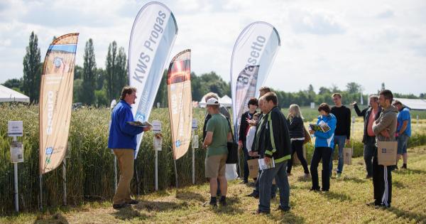 Návštěvníci během polního dne shlédli komentované prohlídky odrůd hlavních plodin, prezentovaných technologií azískali mnoho dalších informací